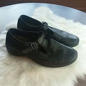Eastland Black Leather Loafer Sandals